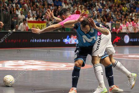 "Javier Garcia Moreno ""Chino"" of Vina Albali Valdepenas fight for the ball"