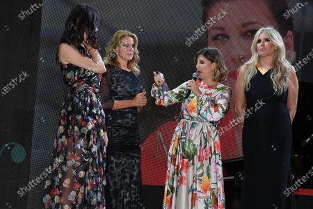 Ilenia Pastorelli, Claudia Gerini, Michela Andreozzi, Tiziana Rocca