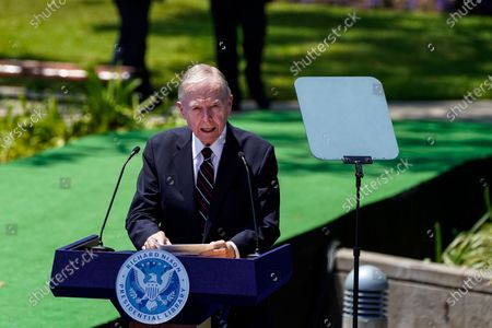 Former California Governor Pete Wilson introduces Secretary of State Michael R. Pompeo before delivering a speech at the Richard Nixon Presidential Library and Museum on Thursday, July 23, 2020 in Yorba Linda, CA. (Kent Nishimura / Los Angeles Times)