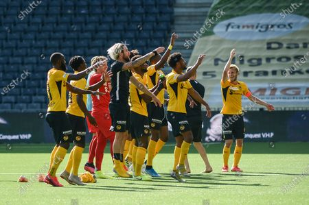 26.07.2020, Bern, Wankdorf, Soccer Super League: BSC Young Boys - FC Luzern, Young Boys playing celebrates the win against Luzern. In the picture also # 1 goalkeeper Marco Woelfli (Young Boys) and # 28 Fabian Lustenberger (Young Boys, far right)