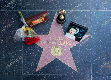Hollywood honors Olivia de Havilland on the Walk of Fame after the announcement of the film legend's death
