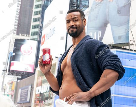 Obraz stockowy: Actor Isaiah Mustafa poses during Old Spice products promotion on Times Square