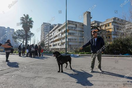 The Northern League met this morning in the northern area of Naples in Scampia in the central square. The regional secretary Nicola on. Molteni, on Gianluca Cantalamessa, and Pina Castiello.