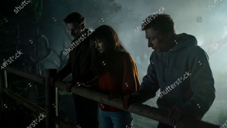Stock Picture of Dan Stevens as Charlie, Sheila Vand as Mina and Jeremy Allen White as Josh