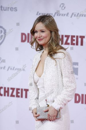 Stefanie Stappenbeck  on the red carpet in front of the Zoo Palace.