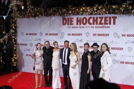 Katharina Schüttler,  Samuel Finzi, Lilli Schweiger, Til Schweiger, Stefanie Stappenbeck, Brigitte Zeh, Milan Peschel und Jeanette Hain on the red carpet in front of the Zoo Palace.