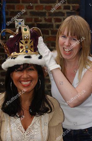 Stock Picture of Queen Elizabeth II Golden Jubilee Celebrations June 2002.. Jubilee Street Party In Roman Road Bow East London. L-r Angela Kyprianou Is Crowned For The Day As Jubilee Queen In Roman Road By Vicky Wright.