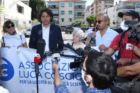 Supporters of the Luca Coscioni Association demonstrate before the court with Mina Welby and Marco Cappato
