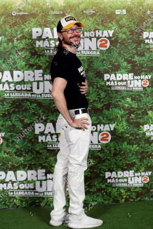 Stock Photo of Santiago Segura (C) poses for the photographers during a photocall for the movie 'Padre no hay mas que uno 2' (Father There Is Only One, part 2) at Bankia Principe Pio Theater in Madrid, Spain, 28 July 2020. The film opens in Spanish cinemas on 01 August.
