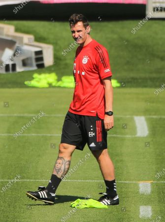 Assistant coach Miroslav Klose of Bayern Munich attends a team training session in Munich, Germany, July 28, 2020. Bayern Munich restarted team training to prepare for the upcoming UEFA Champions League round of 16 second leg match against Chelsea.