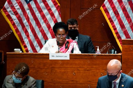 Rep. Shirley Lee Jackson, D-Texas, questions Attorney General William Barr during a House Oversight Committee hearing on Capitol Hill in Washington, Tuesday, 28, 2020