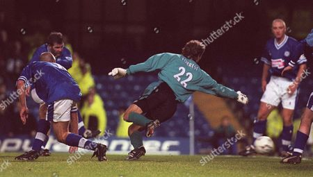 Ian Marshall Of Leicester City Scores Their Winning Goal Against West Ham's Craig Forrest.they Won The Match 2-1.