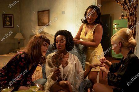 Maria Casadevall as Malu (Maria Luíza Carone), Pathy Dejesus as Adelia Araujo, Larissa Nunes as Ivone Araujo and Mel Lisboa as Thereza Soares
