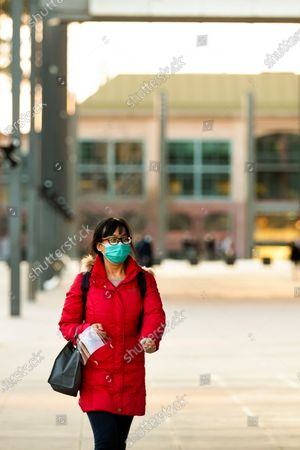 People are seen wearing facemasks. As sustained high numbers of new Coronavirus cases are being discovered, Metropolitan Melbourne and the Mitchell Shire remain under Stage 3 restrictions with facemasks being made mandatory on 23 July. 295 new cases were found overnight bringing the states total active case numbers to 4,775.