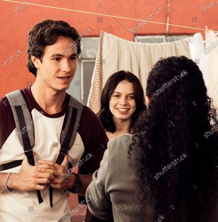 Michael Ronda as Javier and Ana Valeria Becerril as Sofía