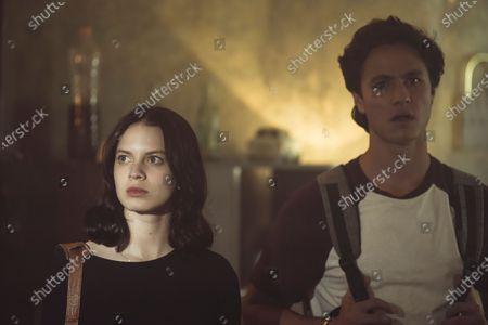 Ana Valeria Becerril as Sofía and Michael Ronda as Javier