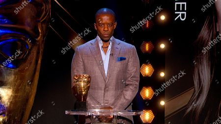 Adrian Lester presents the Leading Actress award
