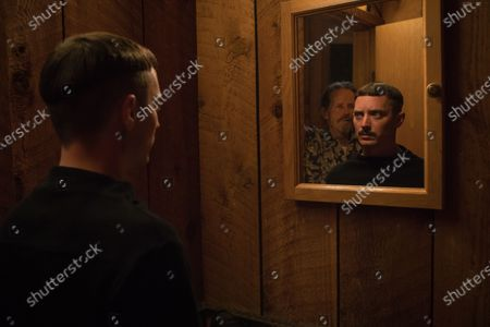 Stephen McHattie as Gordon and Elijah Wood as Norval Greenwood