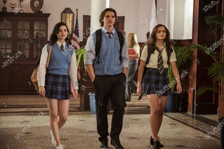 Meganne Young as Rachel, Joel Courtney as Lee Flynn and Joey King as Elle Evans