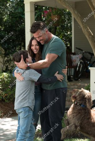 Gabriel Bateman as Oliver, Megan Fox as Ellen and Josh Duhamel as Lukas