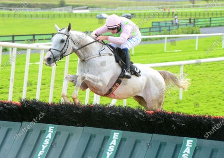 GALWAY N'GOLO and Paul Townend easily win the James's Gate Maiden Hurdle. Healy Racing