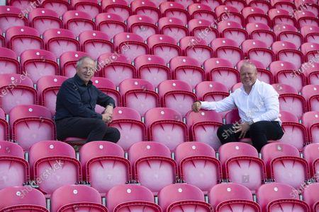 Scarlets Non-Executive Director and Global Ambassador Sean Fitzpatrick and Scarlets Chairman Simon Muderack.