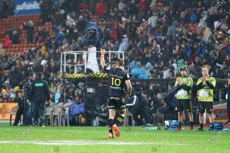 Chiefs vs Crusaders. Chiefs' Aaron Cruden, playing his 100th game for the Chiefs, leaves the field to a standing ovation