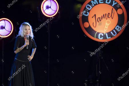 """Spectacle de la troupe du """"Jamel Comedy Club"""" avec Farid Chamekh (humoriste), AZ (humoriste), Bambi (acteur, humoriste), Paul Mirabel (humoriste), Doully (humoriste). En presence de Jamel Debbouze. Parc de la Villa Rothschild (Mediatheque Noaille)"""