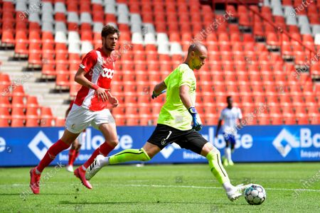 Reims' goalkeeper Predrag Rajkovic fights for the ball during a friendly soccer game between Standard de Liege and Stade de Reims, Saturday 01 August 2020 in Liege, in preparation of the upcoming 2020-2021 Jupiler Pro League season.