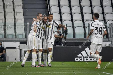 Gonzalo Higuain of Juventus celebrates his goal with teammates