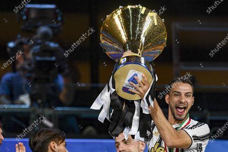 Mattia De Sciglio (Juventus) with Trophy