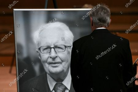 Munich's mayor Dieter Reiter pays his respects during a mourning service for deceased SPD politician Hans-Jochen Vogel in Munich, Germany, 03 August 2020. Vogel, who was  mayor of Munich and Berlin among other political and party offices, died at age 94 on 26 July in Munich.