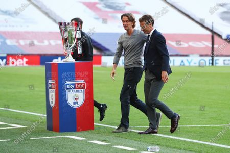 Brentford Manager Thomas Frank and Fulham Manager Scott Parker before the start of the match