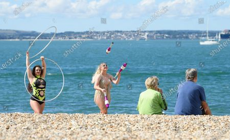 Circus Artists Carina and Nia perform on the Southsea waterfront