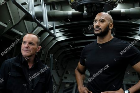 """Clark Gregg as Director Phil Coulson and Henry Simmons as Agent Alphonso """"Mack"""" MacKenzie"""