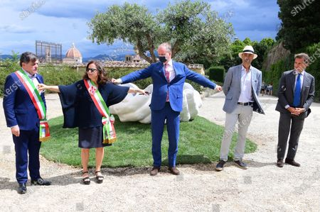 The artist Lorenzo Quinn with Eike Schmidt director Uffizi Museums, deputy mayor of Florence Cristina Giachi, Stefano Giovannetti mayor of  Pietrasanta during the presentation of the artwork ' Give ' to the Boboli Gardens