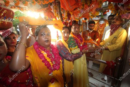 Devotees offer donations to Dakshin Mukhi Temple Hazratgunj  on August 5 , 2020 in Lucknow, India. The grand celebrations for the bhoomi pujan started at 8 am and Prime Minister Narendra Modi performed the Ayodhya Ram Mandir bhoomi pujan at the auspicious time of 12:40 pm.