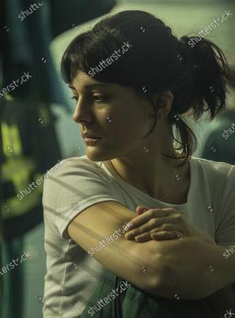Phoebe Fox as Kaye Newman