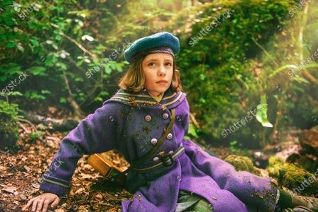 Dixie Egerickx as Mary Lennox