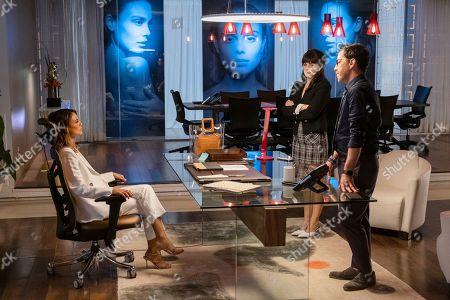 Nathalie Kelley as Noa Hamilton, Georgina Reilly as Piper and Dan Bucatinsky as Lewis