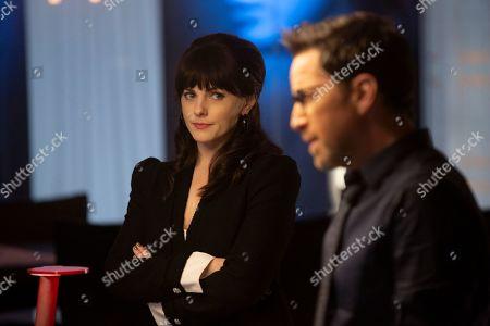 Stock Photo of Georgina Reilly as Piper and Dan Bucatinsky as Lewis