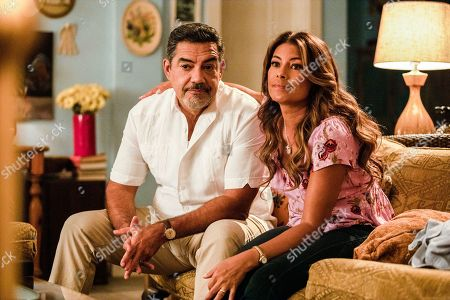 Carlos Gomez as Rafael Garcia and Lisa Vidal as Mari Garcia