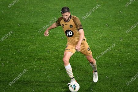 Western Sydney Wanderers defender Matthew Jurman (6) controls the ball