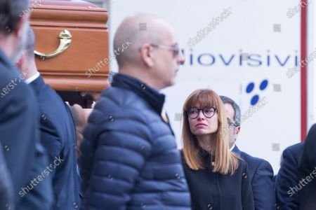 Carlotta Mantovan, Fabrizio Frizzi's wife  Funeral of the Italian showman Fabrizio Frizzi, who died in the night between Sunday and Monday at the Sant'Andrea Hospital in Rome