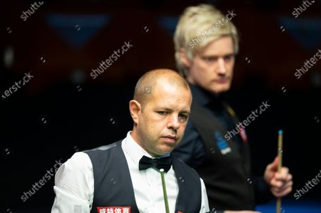 Barry Hawkins with Neil Robertson