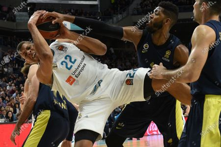Walter Tavares (left),  #22 of Real Madrid and Jason Thompson,  #1 of Fenerbahce in action during the 2017/2018 Turkish Airlines EuroLeague Regular Season Round 24 game between Real Madrid and Fenerbahce Dogus Istanbul at WiZink center in Madrid.