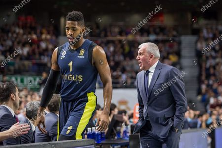 Jason Thompson (L) and Zeljko Obradovic (R)during Fenerbahce Dogus Istanbul victory over Real Madrid (83 - 86) in Turkish Airlines Euroleague regular season game (round 24) celebrated at Wizink Center in Madrid (Spain). March 2nd 2018.