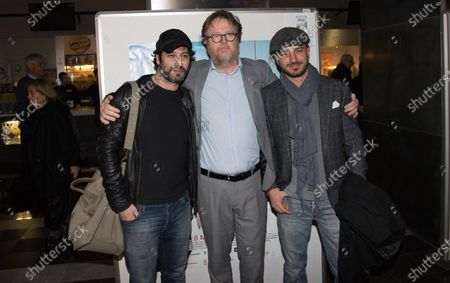 Presented the new film Even without you by Francesco Bonelli with actors Nicolas Vaporidis and Matteo Branciamore who greet in the hall at the Metropolitan cinema in Naples