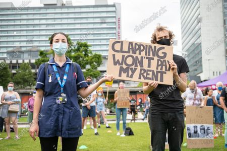 NHS workers protest for a wage rise.