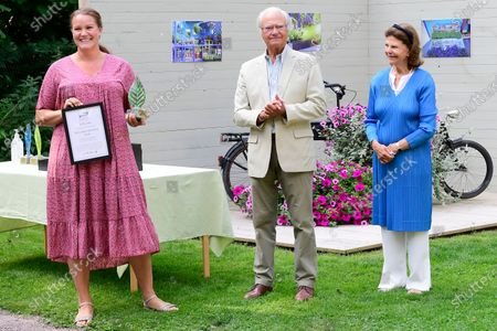 "King Carl Gustaf and Queen Silvia present Solliden's prize to Helena Gustafsson for best ""Idea Gardens"" 2020 at Solliden Palace park"